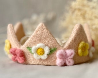 Birthday crown special for girl, spring flowers wreath for babies, spring crown for Waldorf birthday, handmade gift for girl birthday