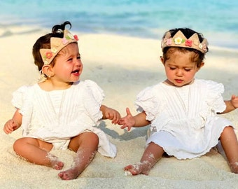 Twins baby birthday crown, personalized felting flowers crown, present for sibling, first birthday girl gift, matching outfits for twins