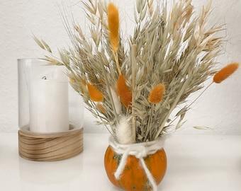 Pumpkin DIY I Autumn pumpkin with dried flowers I Oats natural I Lagurus orange I Halloween