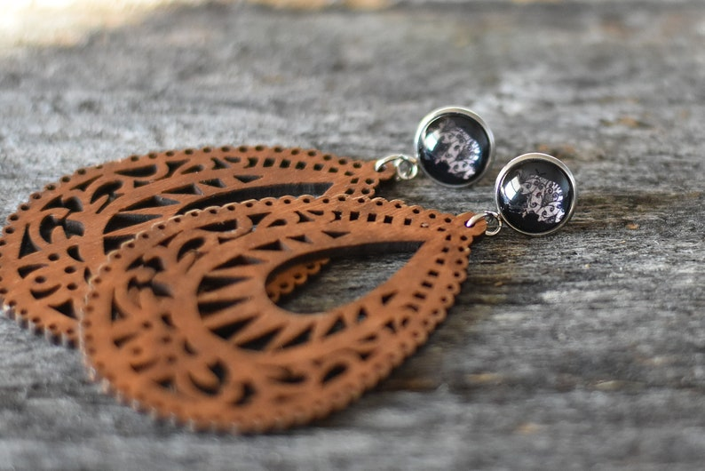Lightweight Wood Buffalo Lace Earrings