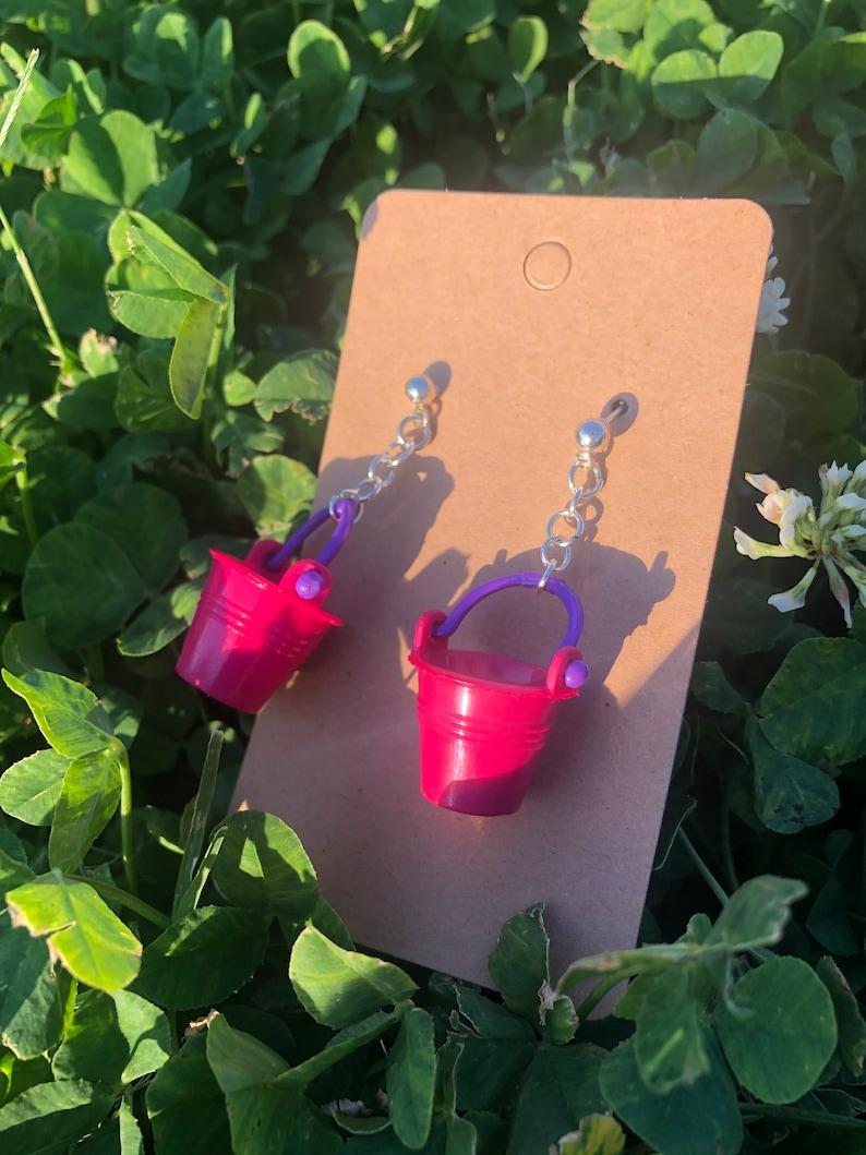 sand bucket earrings