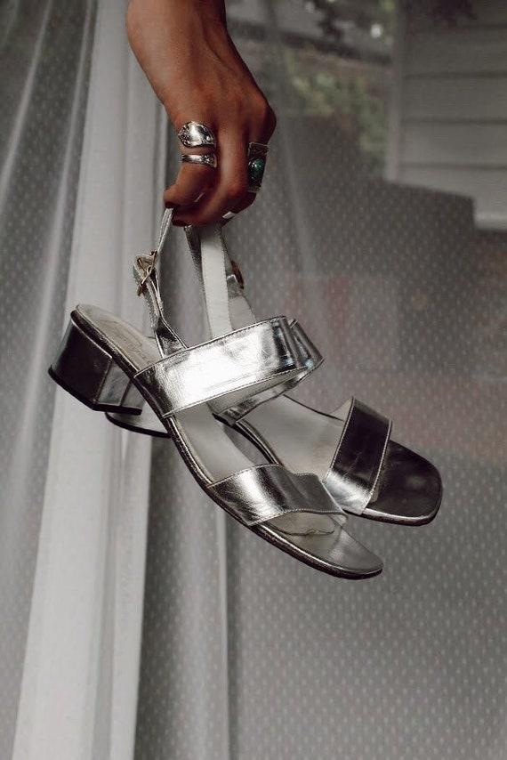 1970s Deadstock Sz. 7 Pappagallo Silver Sandals
