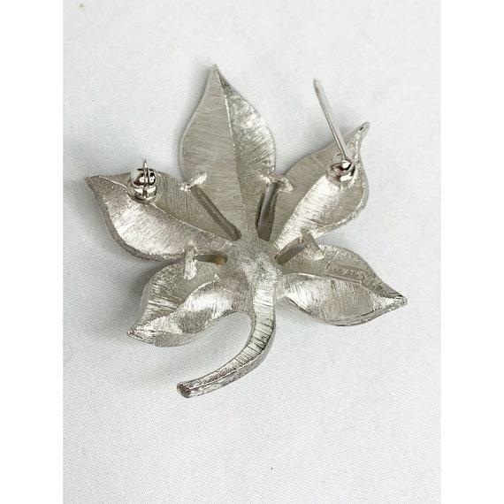 Vintage Trifari Pearl In Lotus Brooch/ Pin - image 3
