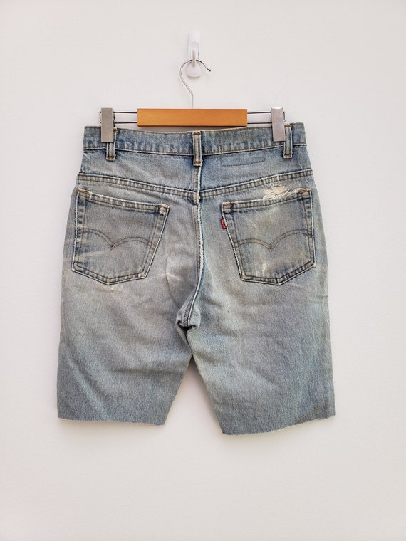 80s faded bleached Levi's cut off shorts denim lo… - image 3