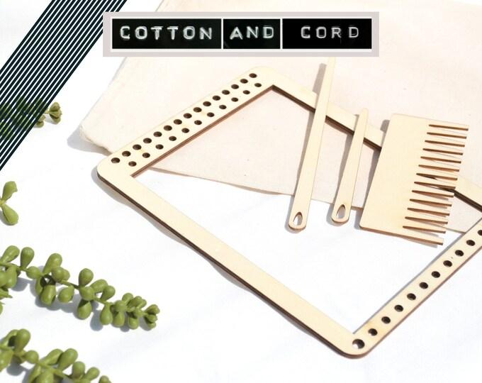 Small Weaving Loom   Hanging Weaving Loom - Loom Frame  20 X 15cm   Fiber Art   Loom   Macrame