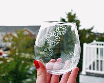 Stemless Clear Wine Glass | Etched Wine Glass | Daisy Wine Glass