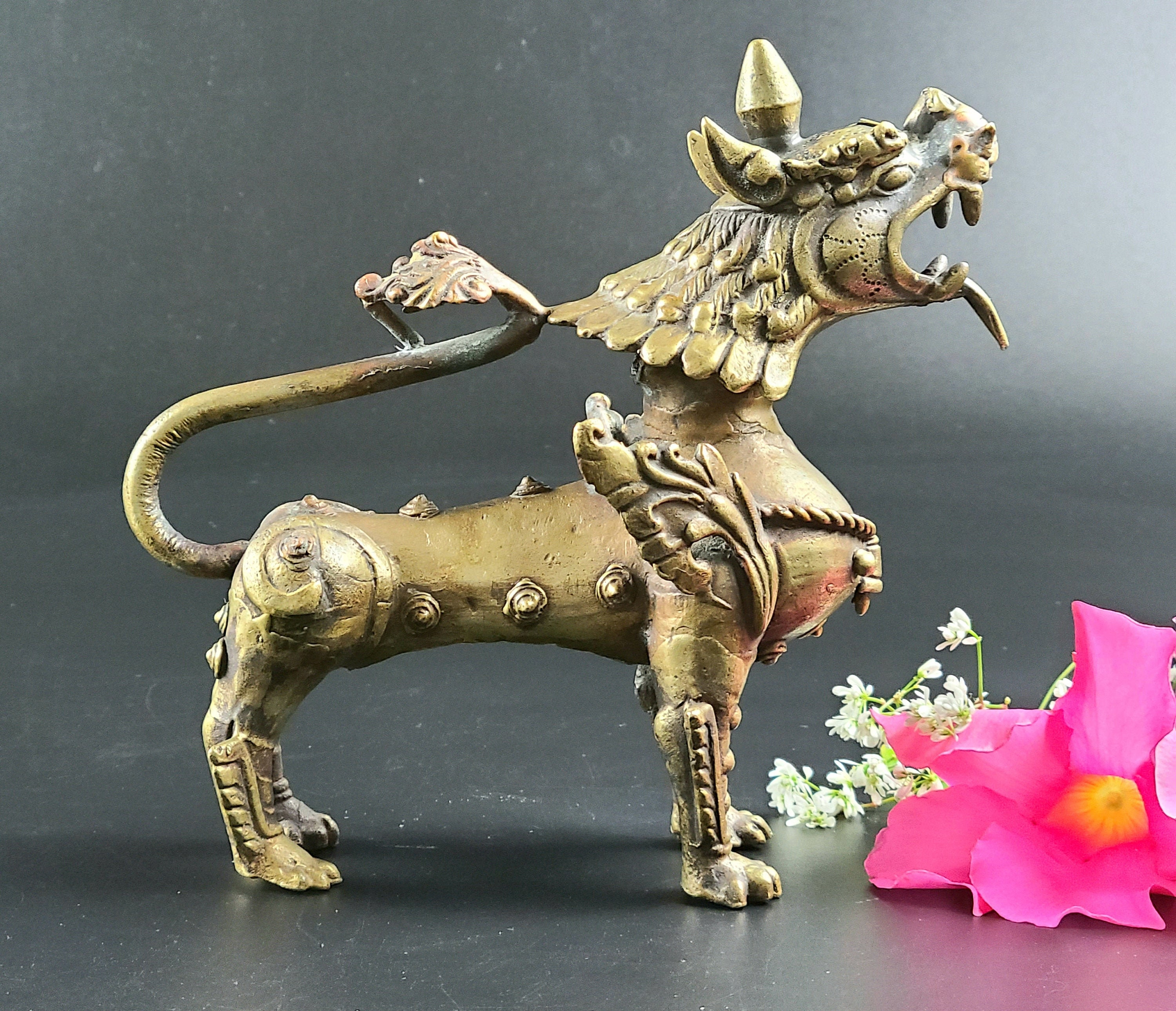 How much do gold foo dragon statue is worth estas tonne song of the golden dragon topic