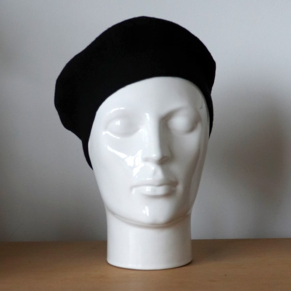 Vintage black beret | Classic Wool beret | French