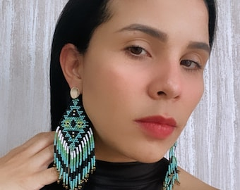 Unique earrings, Colombia, indigenous jewelry, indigenous earrings, indigenous, artesanal Colombian jewelry, artisan indigenous earrings