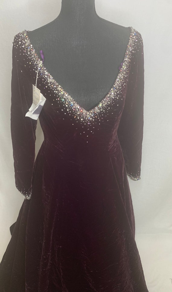 Vintage women's Maroon ball gown