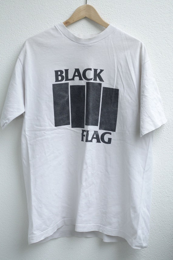 Black Flag Vintage Logo Shirt from the 90's - Size
