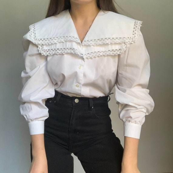 Vintage white puffy sleeves blouse, Embroidered co