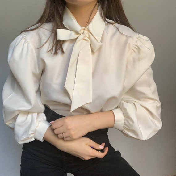 Vintage 80s Victorian Pussy Bow Blouse , Shirt wit