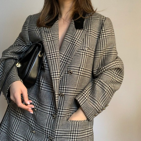 Vintage black and white blazer, Velvet Collar, Vin