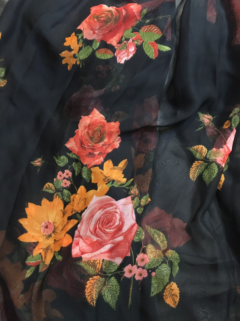 Floral printed Sari-Silk Chiffon Fabric.