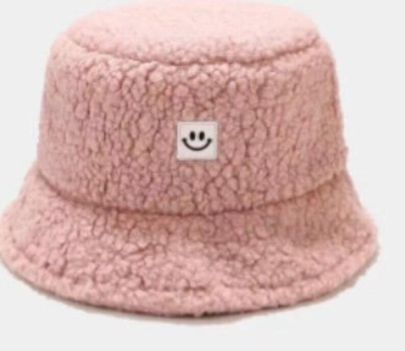 Short Brim Round Top Winter Outdoor Hats Bucket hat Faux Teddy Bucket Hat in Super Soft plush Shearling Feel Warm Hat Fisherman Hat