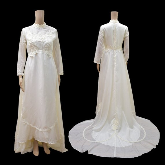 60s Vintage Romantic Modest Wedding Dress