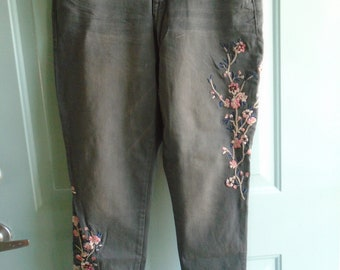 Vintage Embroidered Floral Lane Bryant Plus Size 14 Mid-rise Ankle Jeans