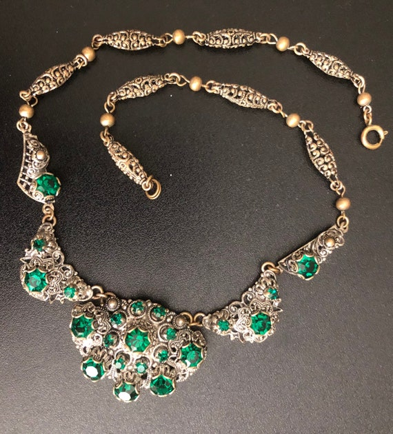 Antique Victorian costume jewelry necklace