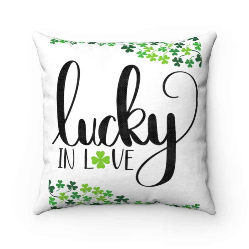 Irish Gifts 4 Leaf Clover Green Farmhouse Lucky in Love Pillow Gifts for Irish Clover Throw Pillow St Patricks Day Holiday Pillow