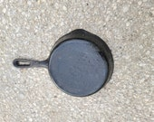 Vintage 3lb cast iron skillet pan with no makers mark