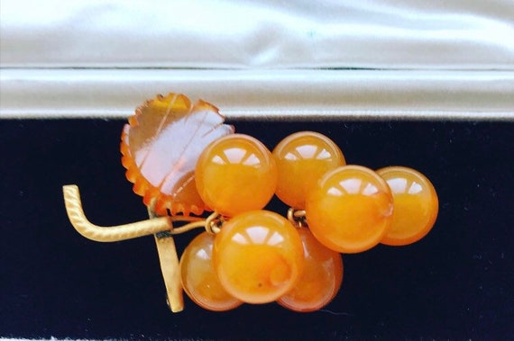Beautiful 1930s/40s amber brooch