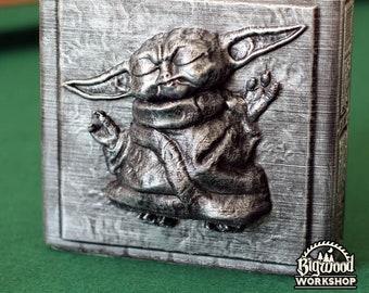 Star Wars: Baby Yoda in Carbonite (3 sizes)