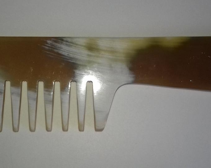 Comb horn curly hair