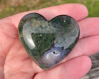 Druzy Crystals Heart Chakra Healing Crystals. Flower Agate Palm Stone With Druzy Vugs