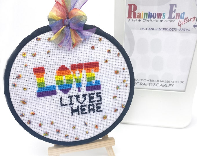 Love Lives Here Hand Embroidered/Cross stitch Hangy Hoop