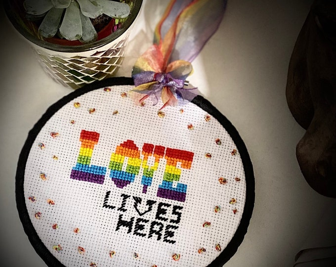 Love Lives Here Hand Embroidered Hangy Hoop