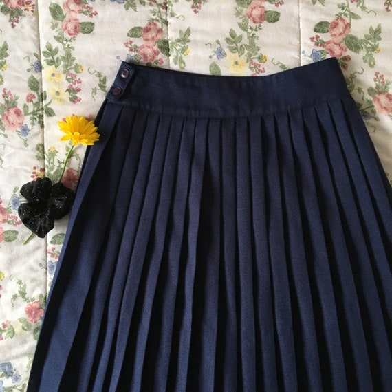 Vintage High Waisted Navy Blue Pleated Skirt - image 1