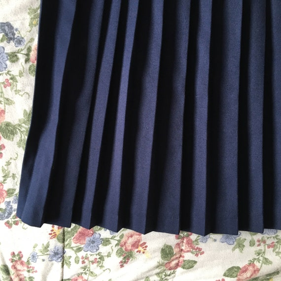 Vintage High Waisted Navy Blue Pleated Skirt - image 7
