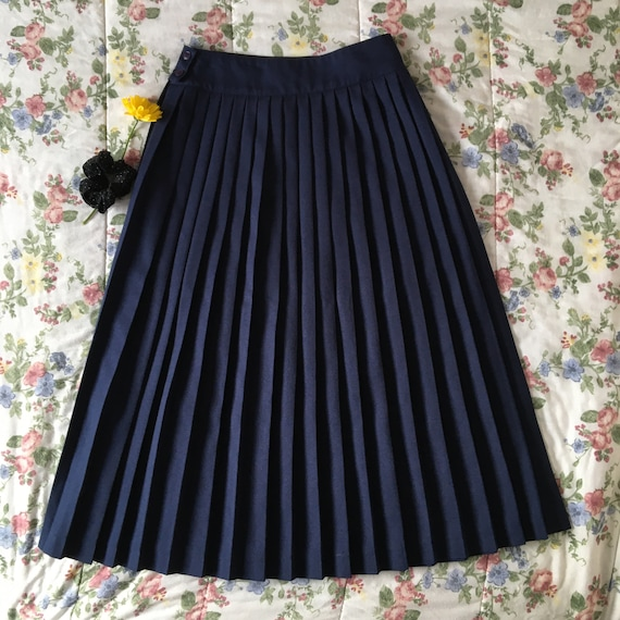 Vintage High Waisted Navy Blue Pleated Skirt - image 2