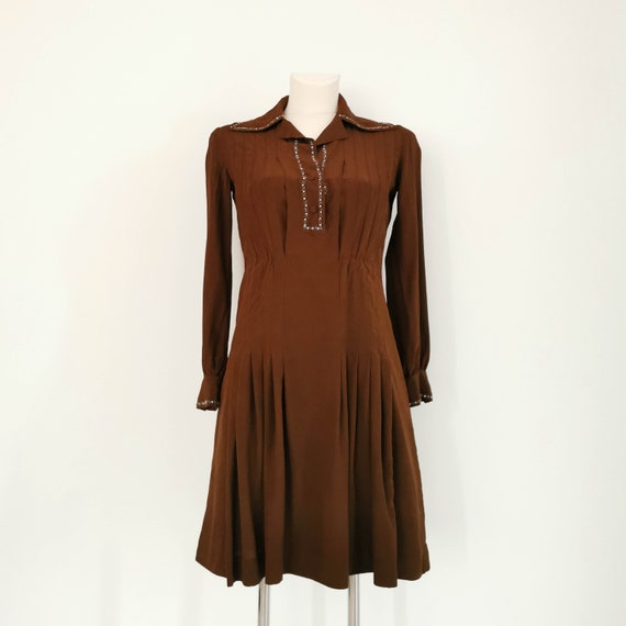 1940s silk embroidered chocolatte dress with point