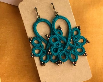 Lace earrings / Tatted earrings / Bohemian earrings / Orecchini / Filigree lightweight earrings / Handmade jewelry / Teal earrings