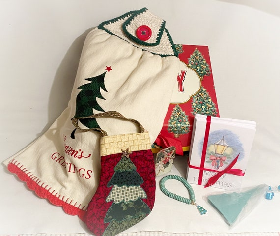 5 Gifts in a Holiday Box