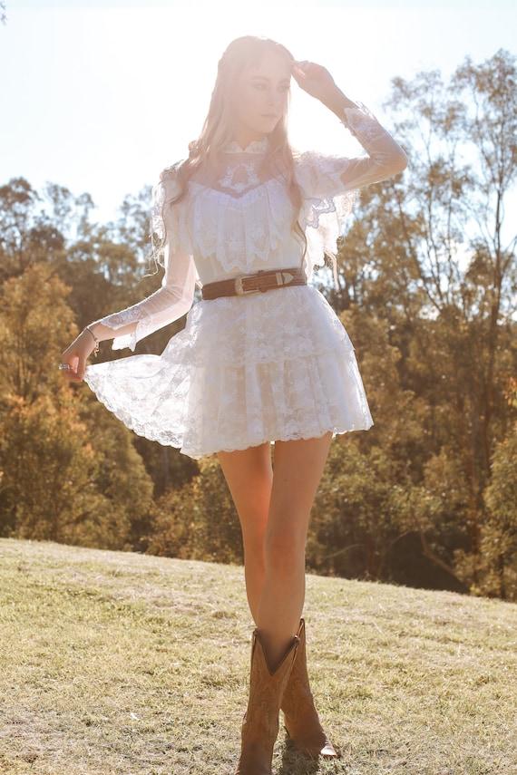 Vintage 1970s Wedding Dress, The Mini Luna, Vinta… - image 2