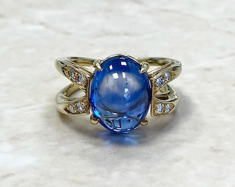 Vintage 8.38 CTS Untreated Sapphire & Diamond Ring By Carvin French Jewelers - 18K Yellow Gold - Cocktail Ring - Engagement Ring - Size 6 US