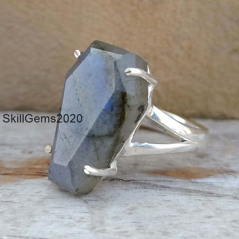 925 Sterling Silver Band Handmade Ring Boho Ring Labradorite Coffin Ring Women Jewelry Prong Set Ring,Gift For Her, Statement Ring
