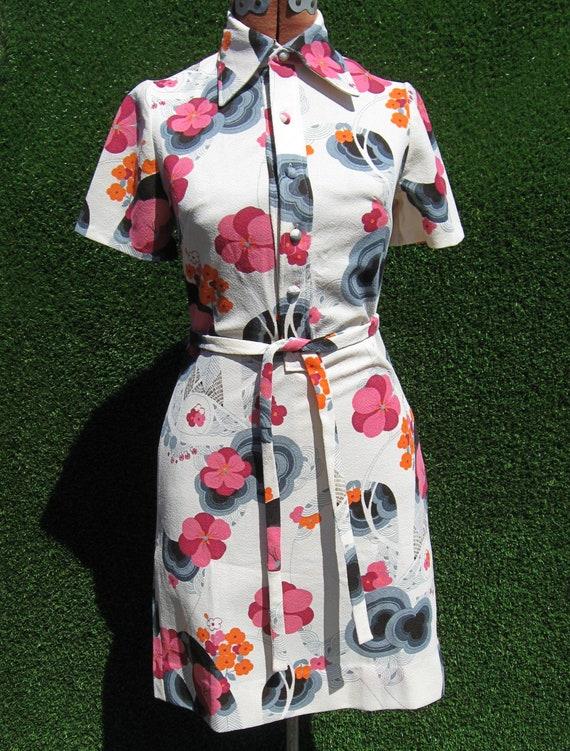 vintage 70's polyester Hawaiian Asian cherry bloss