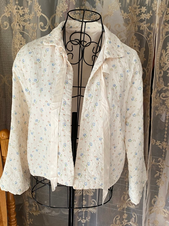 40's Floral Quilted Bed Jacket