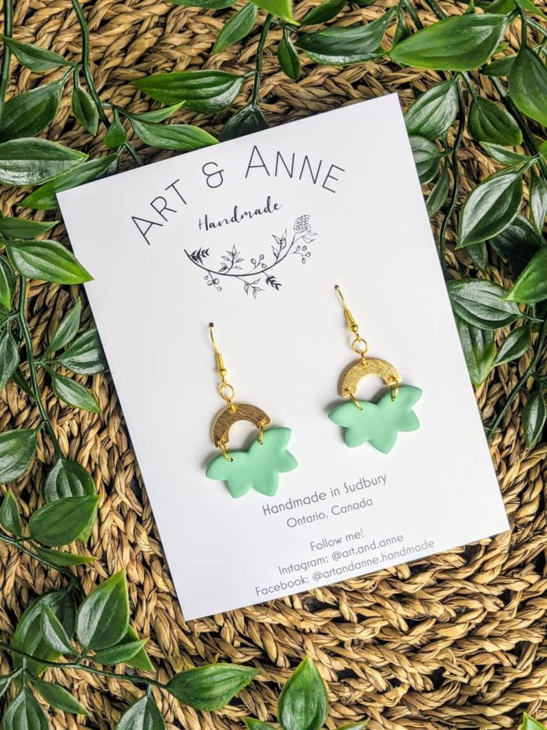 Handmade Polymer Clay Earrings Simple clay earrings Modern Earrings green earrings gifts for mom Spring gifts for her Leaf pattern