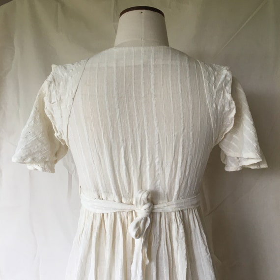 Vintage 70's Ivory Cheesecloth Indian Prairie Empi