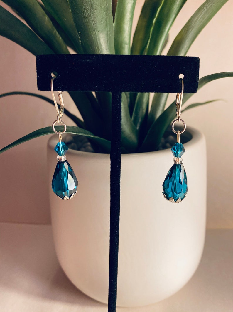   Birthday Oval Shape Gift For Her Bottom Silver Metal Flower Design 12 Width Crystal Women\u2019s Jewelry Dark Turquoise Earrings