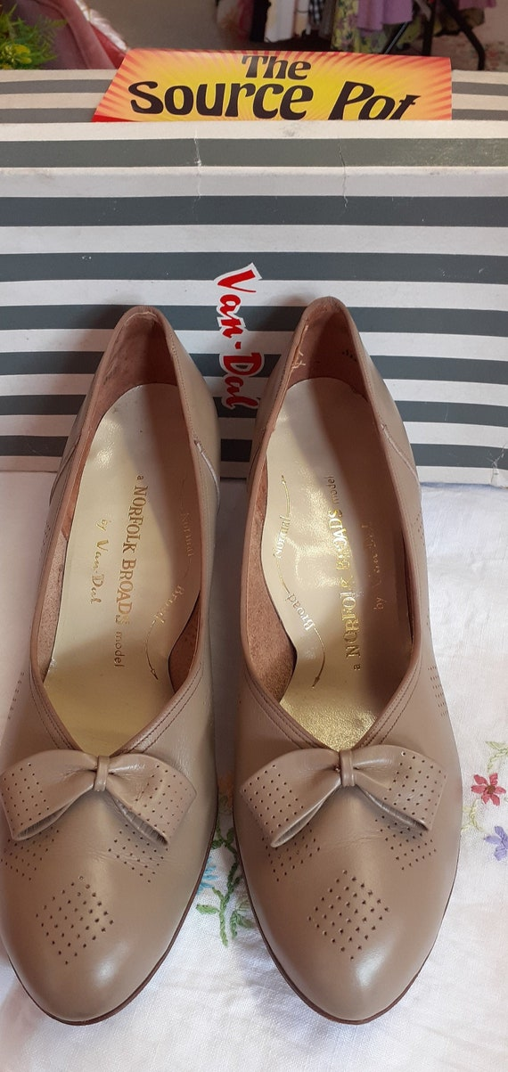 Vintage ladies shoes 1960s
