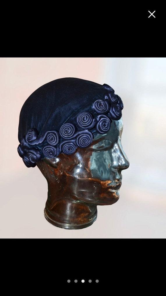 1930s vintage dark blue silk velvet cap