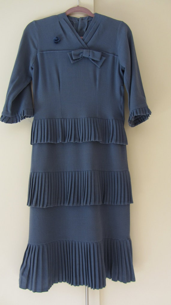 1920-30 3/4 sleeve Tiered Pleat detail dress