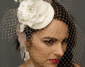 A beautiful ivory fascinator, Bridal Pillbox, Bridal Headdress
