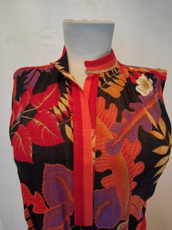 Sleeveless vintage dress